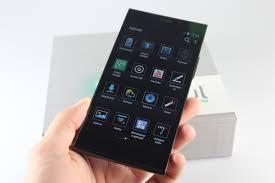 Care este cel mai bun smartphone romanesc ?
