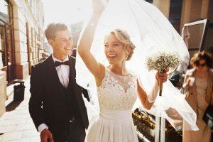 Ce servicii trebuie sa isi asigure mirii cu mult timp inainte de nunta?