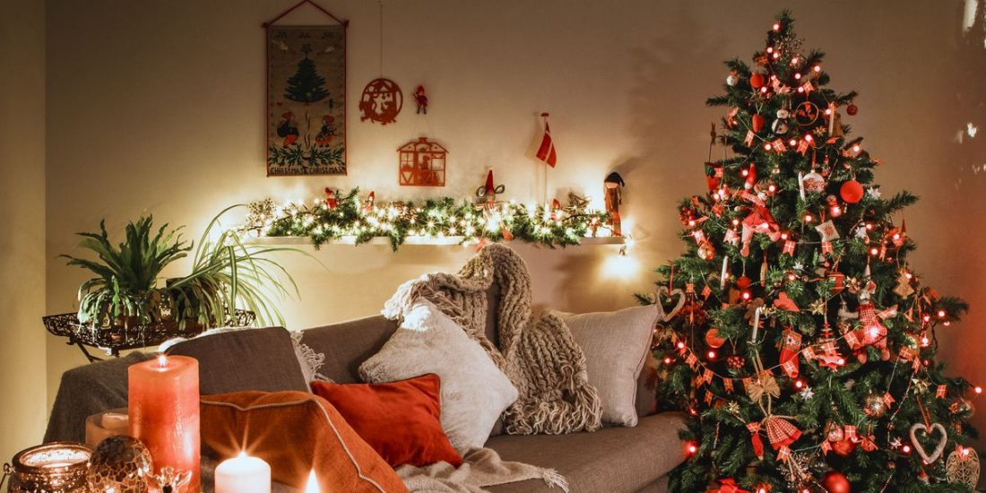 Cauți brazi artificiali de Crăciun?